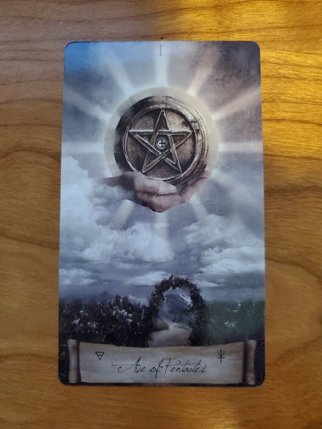 The Ace of Pentacles: Manifest your Dreams